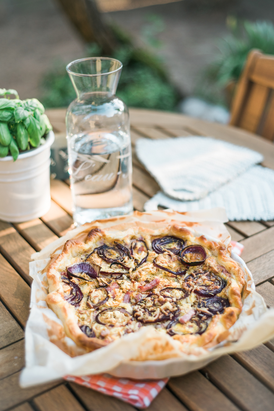 GATHER & INDULGE - French cheesy onion quiche