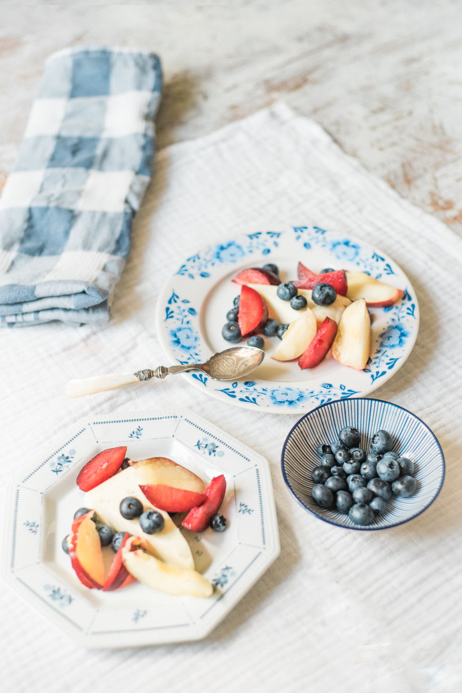 Easy-recipe-for-delicious-summer-panna-cotta-AnaisStoelenPhotography