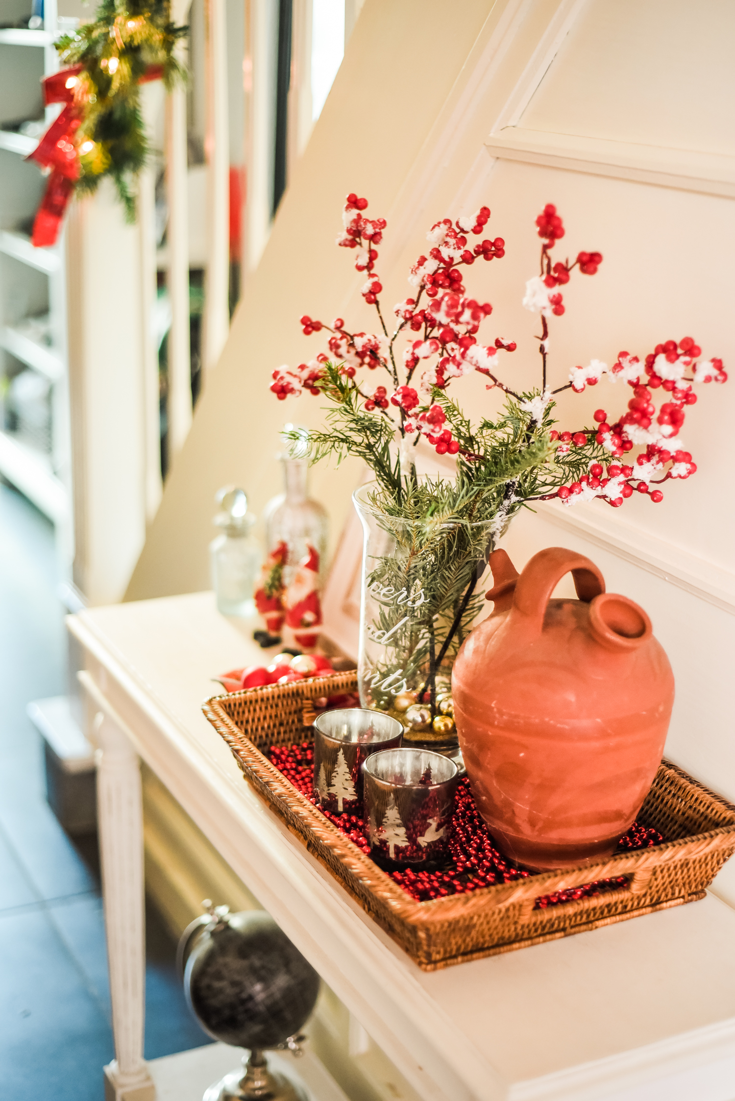 Traditional-Christmas-Decor-Tree-Table-Ideas-Style-To-Copy-AnaisStoelen-81.jpg
