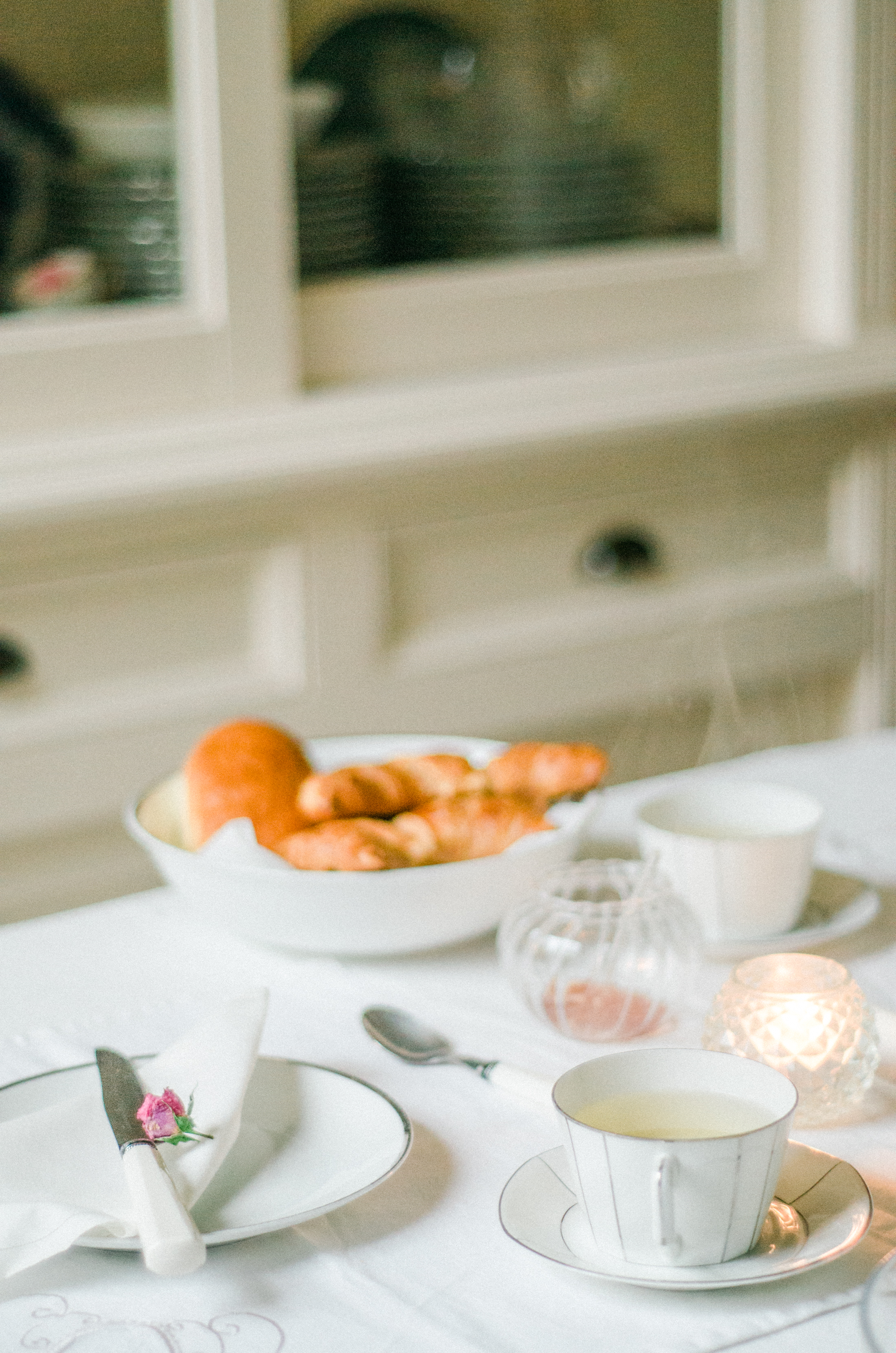 3-Classic-Table-Styling-1.jpg