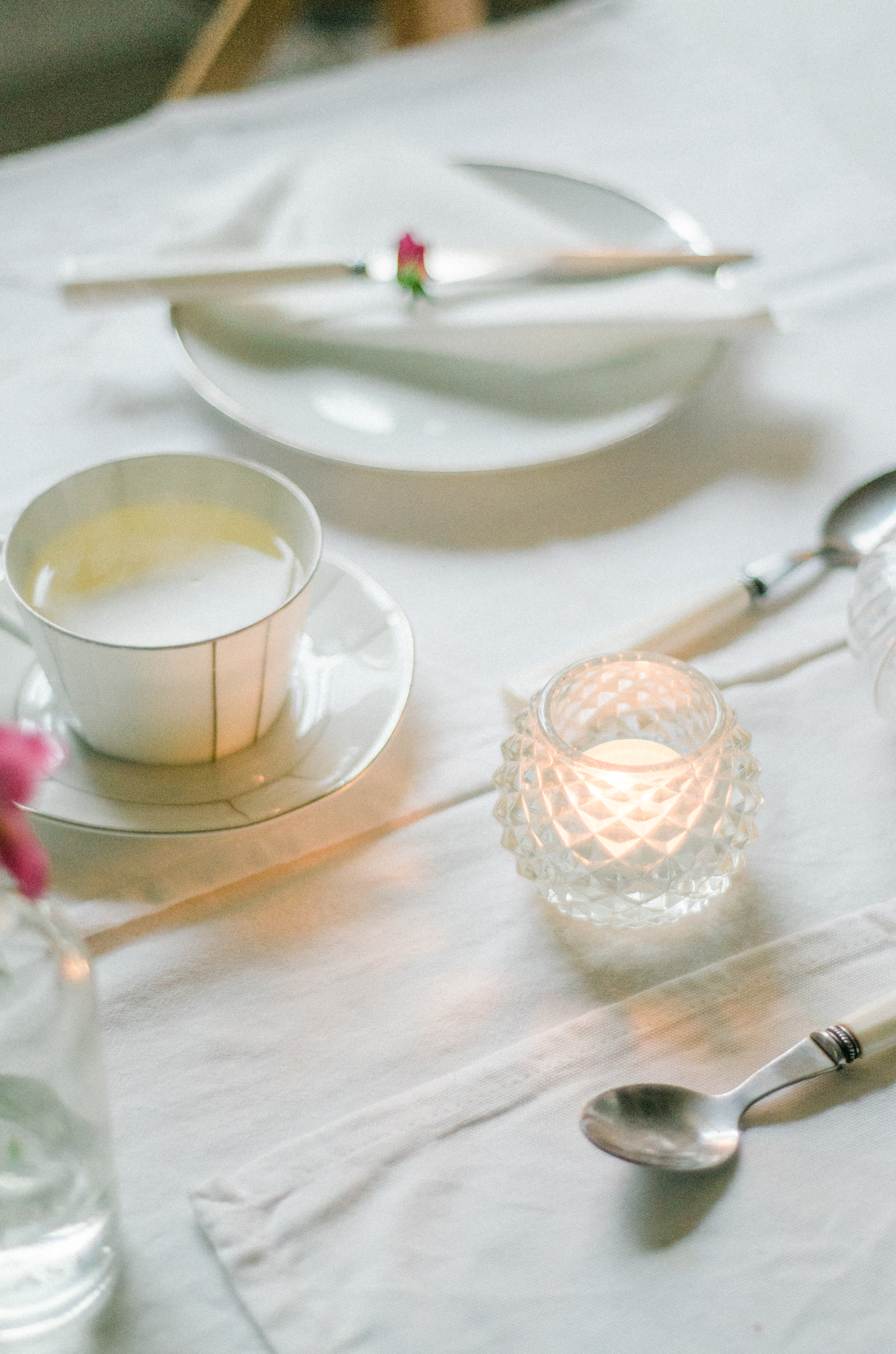 3-Classic-Table-Styling-2.jpg