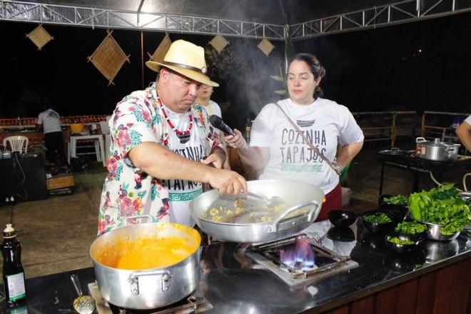 up_ag_4012_chef_flavio_xapuri_apresentando_sua_aula_show.jpg