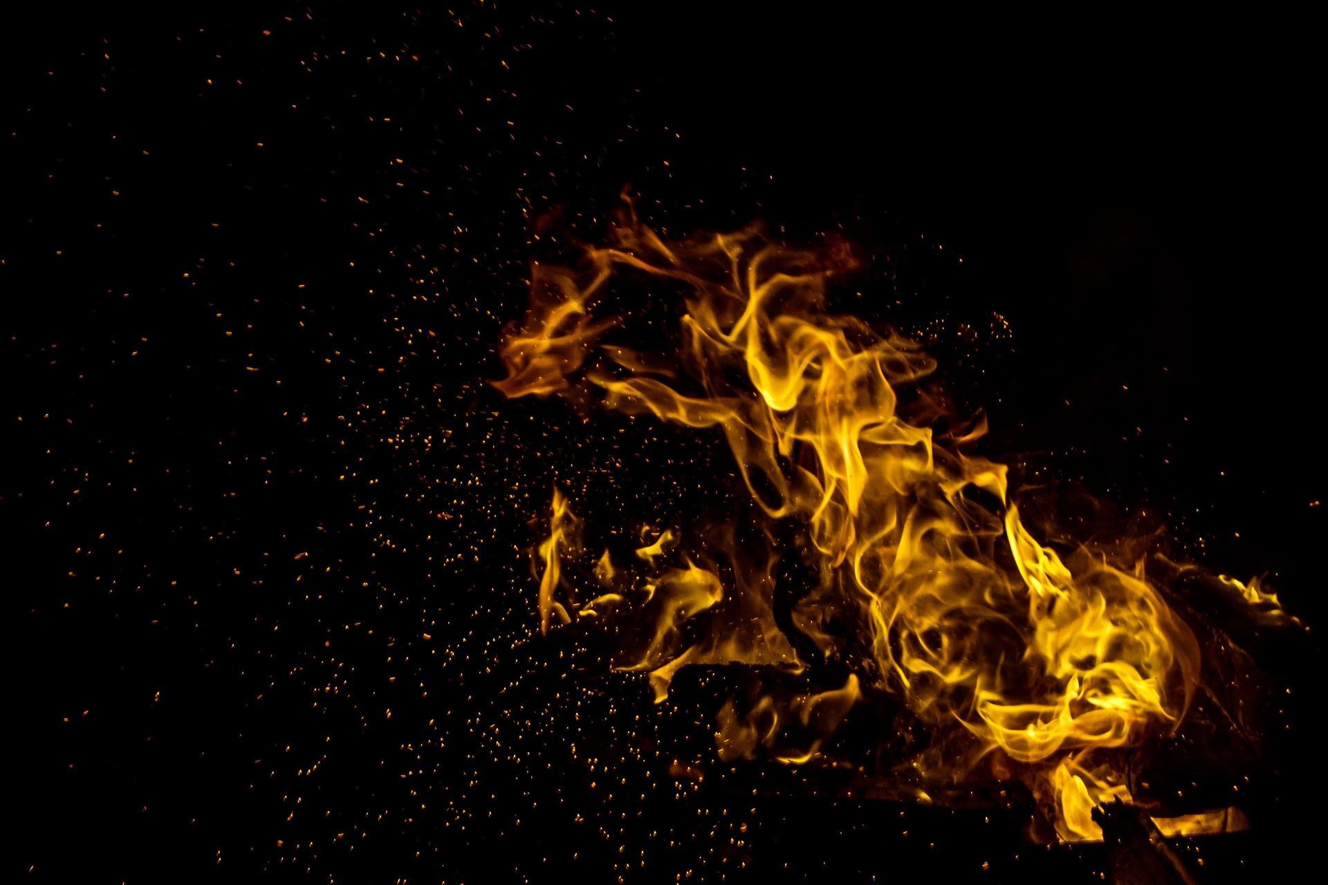 fire-1042926_1920.jpg