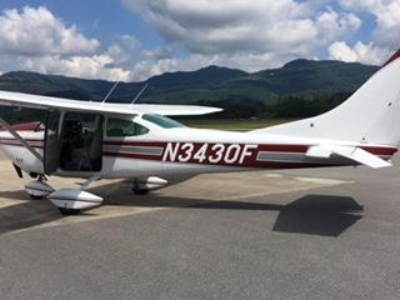 1/2 hour ride with Larry Wingeier in Cessna 182 plane for 3 people. See Alto from a whole new perspective.