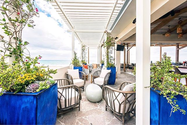 Next time you're in Ft. Lauderdale take a quick trip to check out The Beach House! It's open and ready for you 🌴☀️ . . . #interiordesign #design #restaurantdesign #hospitalitydesign #pompano #beachhouse #cincinnatidesigner #fortlauderdale #pompanobeach #miami #bardesign