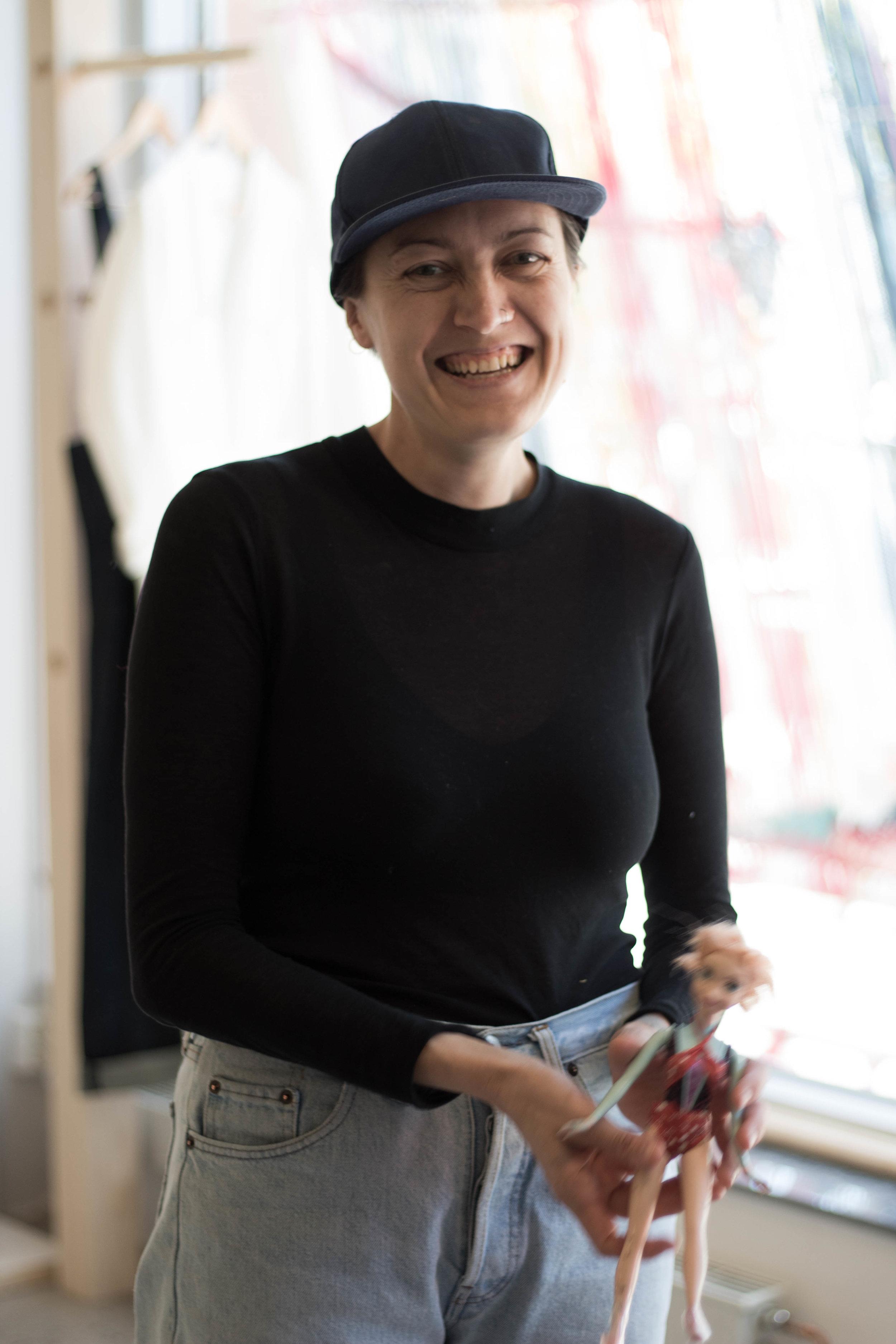 Birgitta Helmersson som driver Helgrose studio