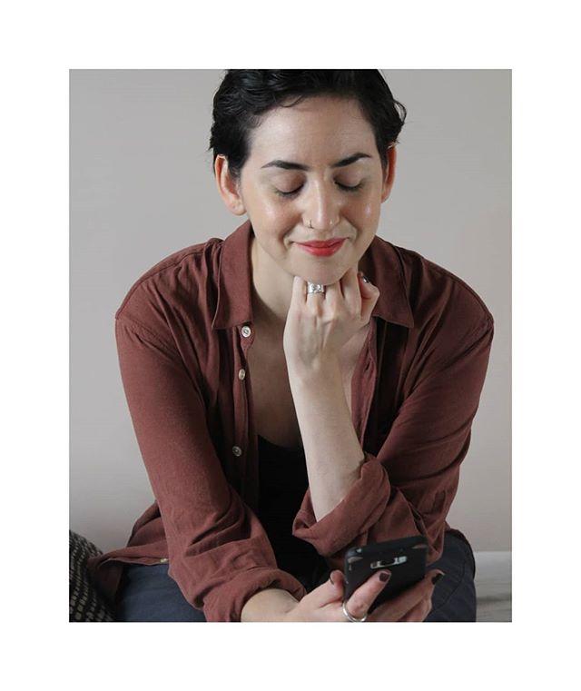 Idag lanserades Fairphone 3! Och min byrå Mad Luck ansvarar för PR i den nordiska marknaden.  Fairphone är ett företag jag haft koll på i drygt 3 år, och jag hade faktiskt en Fairphone 2, som jag tillslut var tvungen att lämna tillbaka eftersom jag inte kunde använda den. Nu ska i alla fall allt vara förbättrat, barnsjukdomarna omhändertagna och en riktigt bra OCH etisk mobiltelefon finns på marknaden. Det är så jävla coolt. Att dom valde vår lilla byrå för att sköta lanseringen i våra nordiska länder är ännu coolare och jag är stolt upp över öronen. Fairphone är alltså en sån kund som jag fantiserat om att få jobba med eftersom dom är ett socialt företag som arbetar efter värden som jag brinner för. Ibland är verkligheten typ coolare än drömmen, som man brukar säga. Tack till @mariadelacroixx som är världens bästa partner in crime.  Någon som är peppad på att testa? Jag kommer garanterat köpa en Fairphone 3 när min nuvarande går sönder.  P.S Kolla mina stories now and then för det är där jag delar allt först, hihi.  #fairphone #fairphone3 #ethicalcompanies #ethicalsmartphone #fairtradegold #fairtradecertified #sustainablelifestyles #ethicalliving #sustainablelife #medvetenkonsumtion