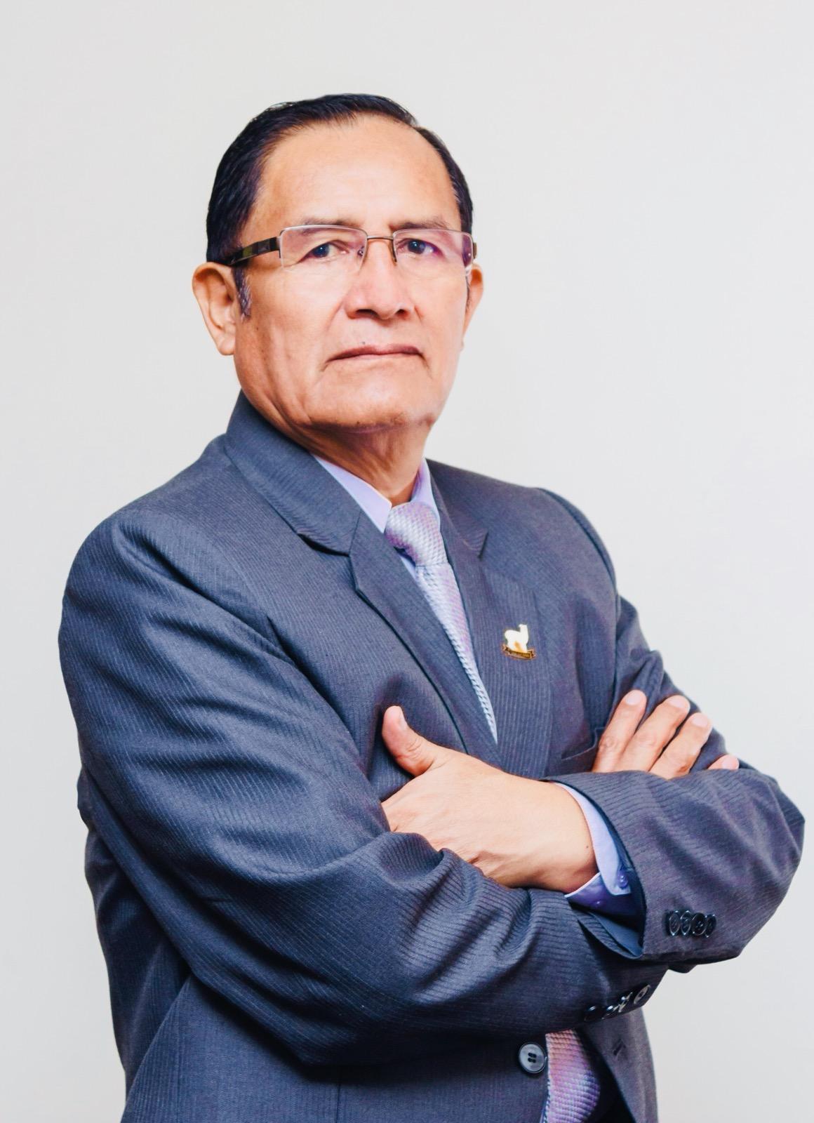 Experiencia profesional - Soy Magíster en Gestión Pública, Gestor de proyectos de inversión, Especialista consultor en el ámbito de Camélidos Sudamericanos con 40 años de trayectoria profesional.
