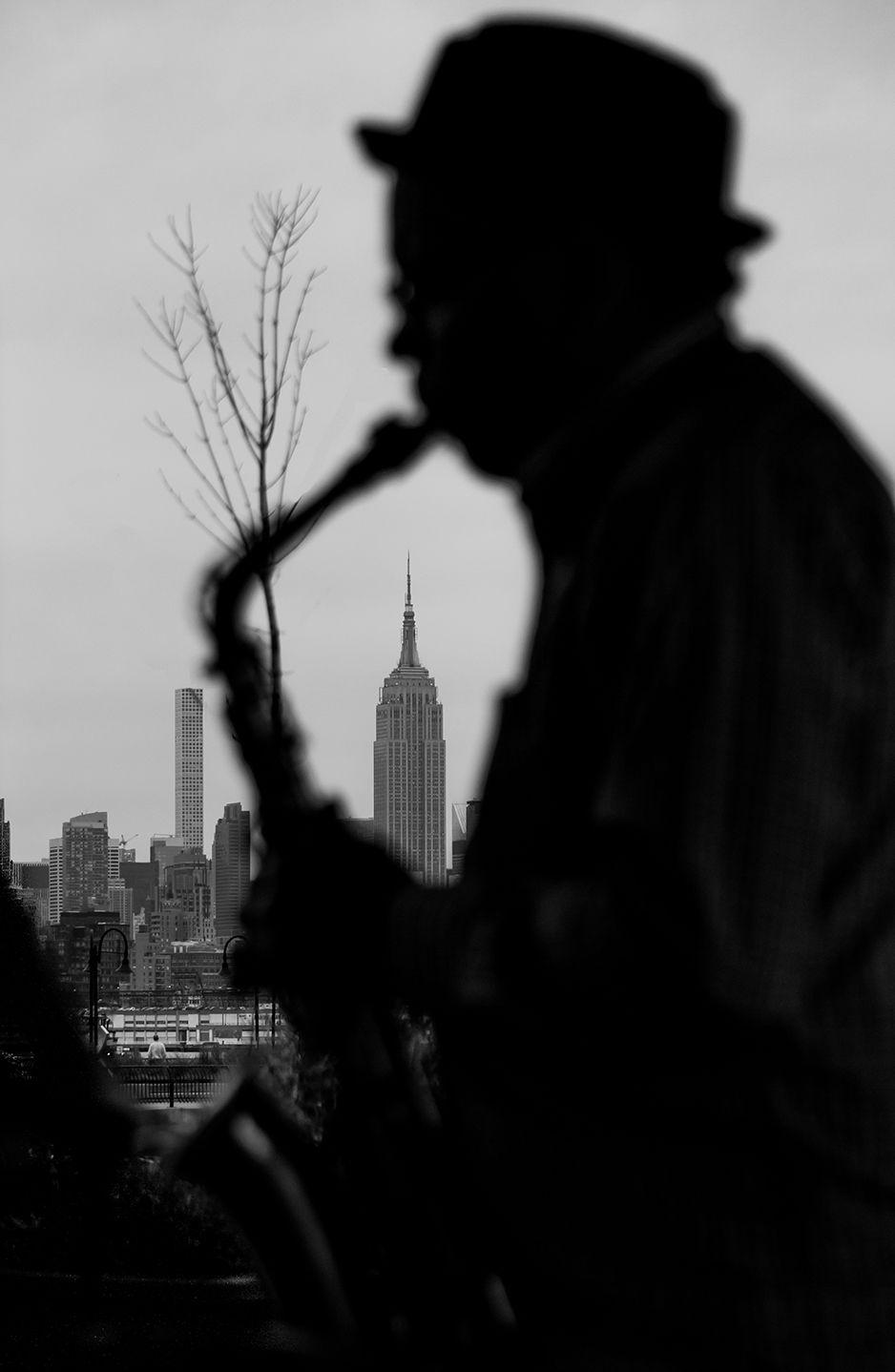 photo by Lori Sloan  https://infocus2017.wordpress.com/2017/04/21/jazz-by-the-river/