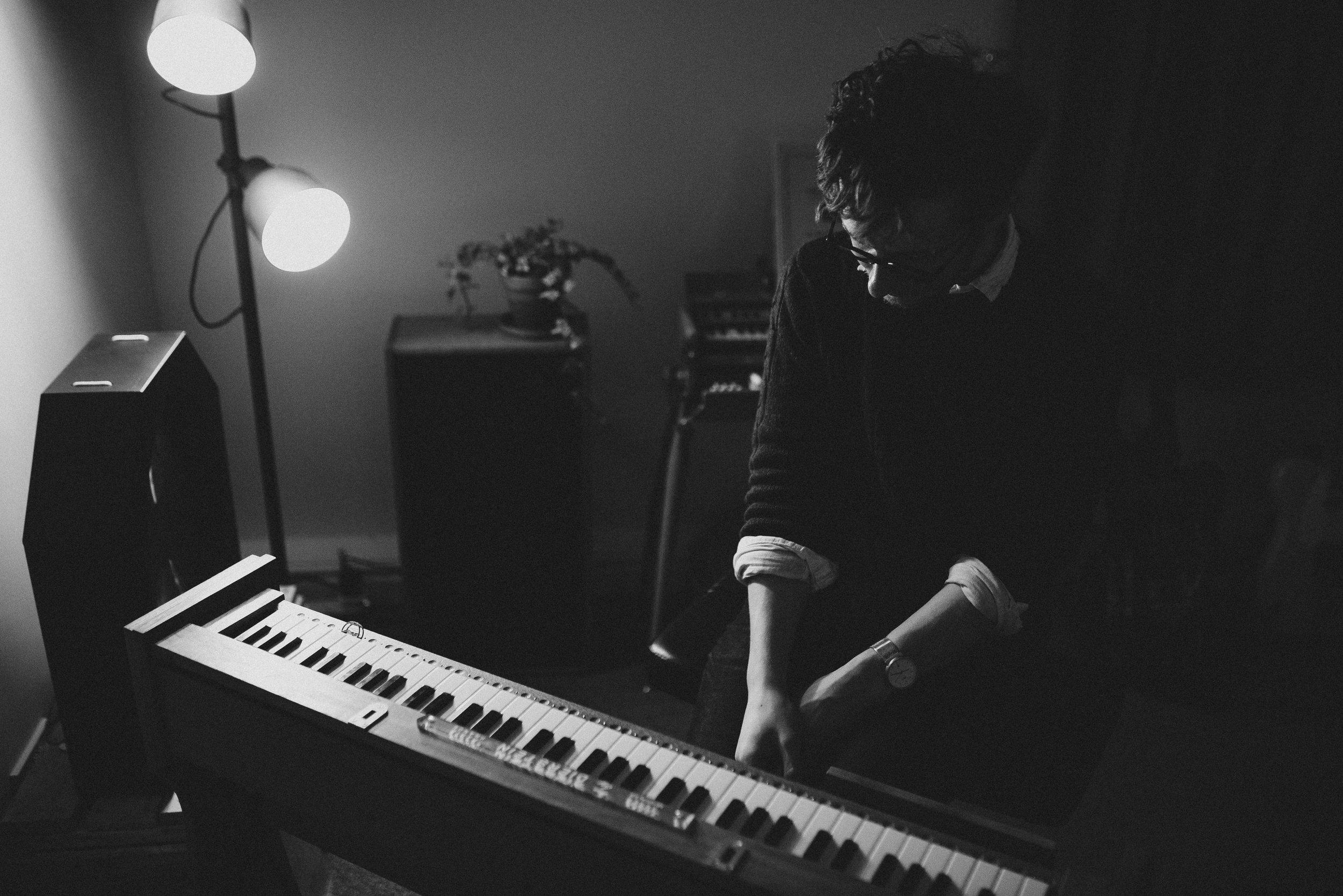 Josh Semans with his Dierstein ondes musicales (2019)