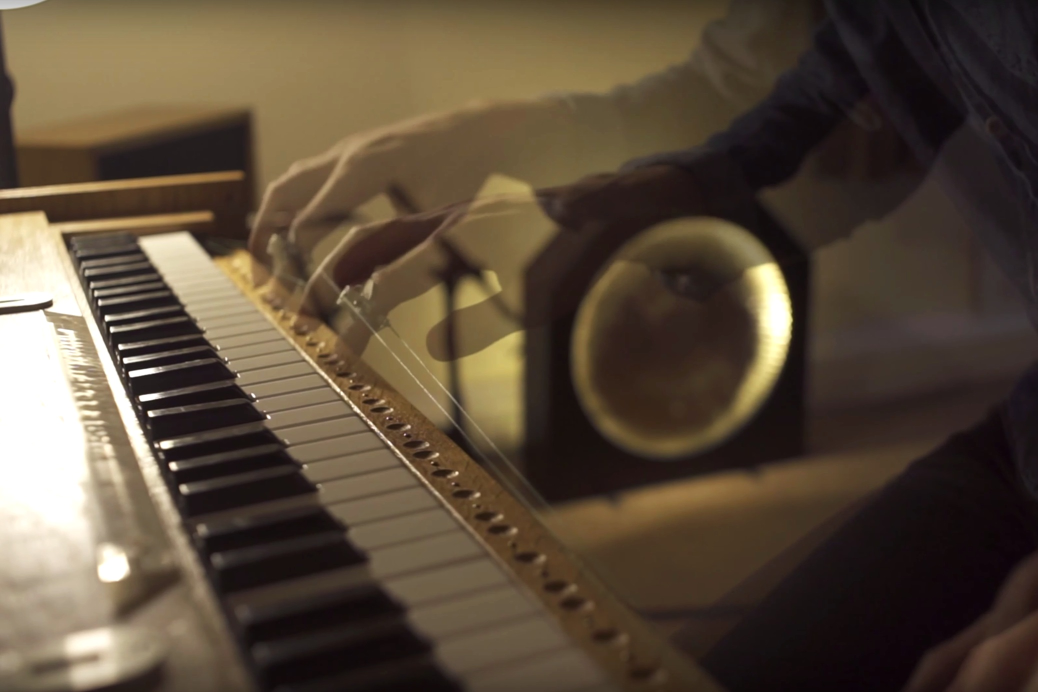 The Amazing Sounds of Orgy - A video-cover of a Radiohead B-Side, with Joe Edelmann and Taka.