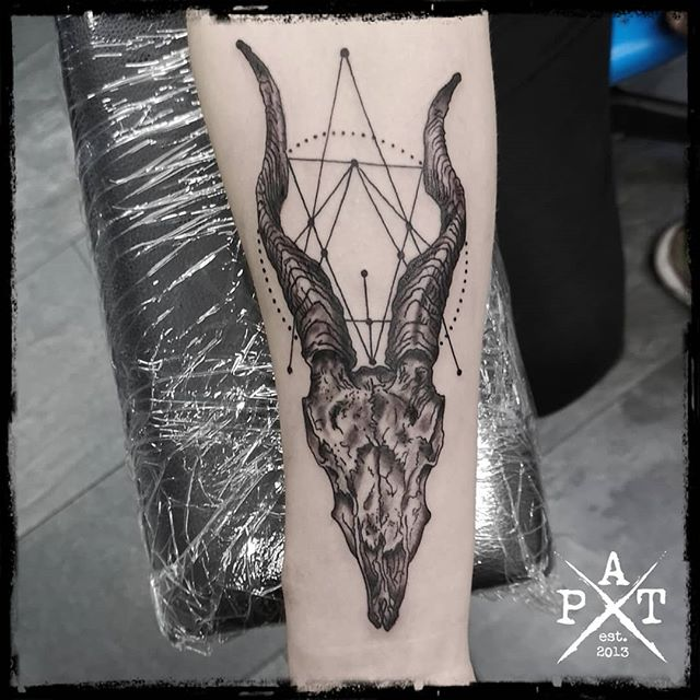 #tattooing #tattoosofinstagram #tattoostudio #tattooink #tattoodesign #tattooedboys #tattooist #tattooed #tattoolove #tattoo #tattoos #tattooartist #tattooshop  #inkbypat #munich #münchen #germany #worldfamousink #blackandgreytattoo #ezcartridgecouk #eztattooing