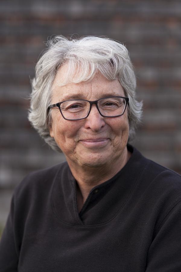 Présidente et directrice générale de P.A.I.R. - direction@pair-services.orgBiographie et Curriculum vitae