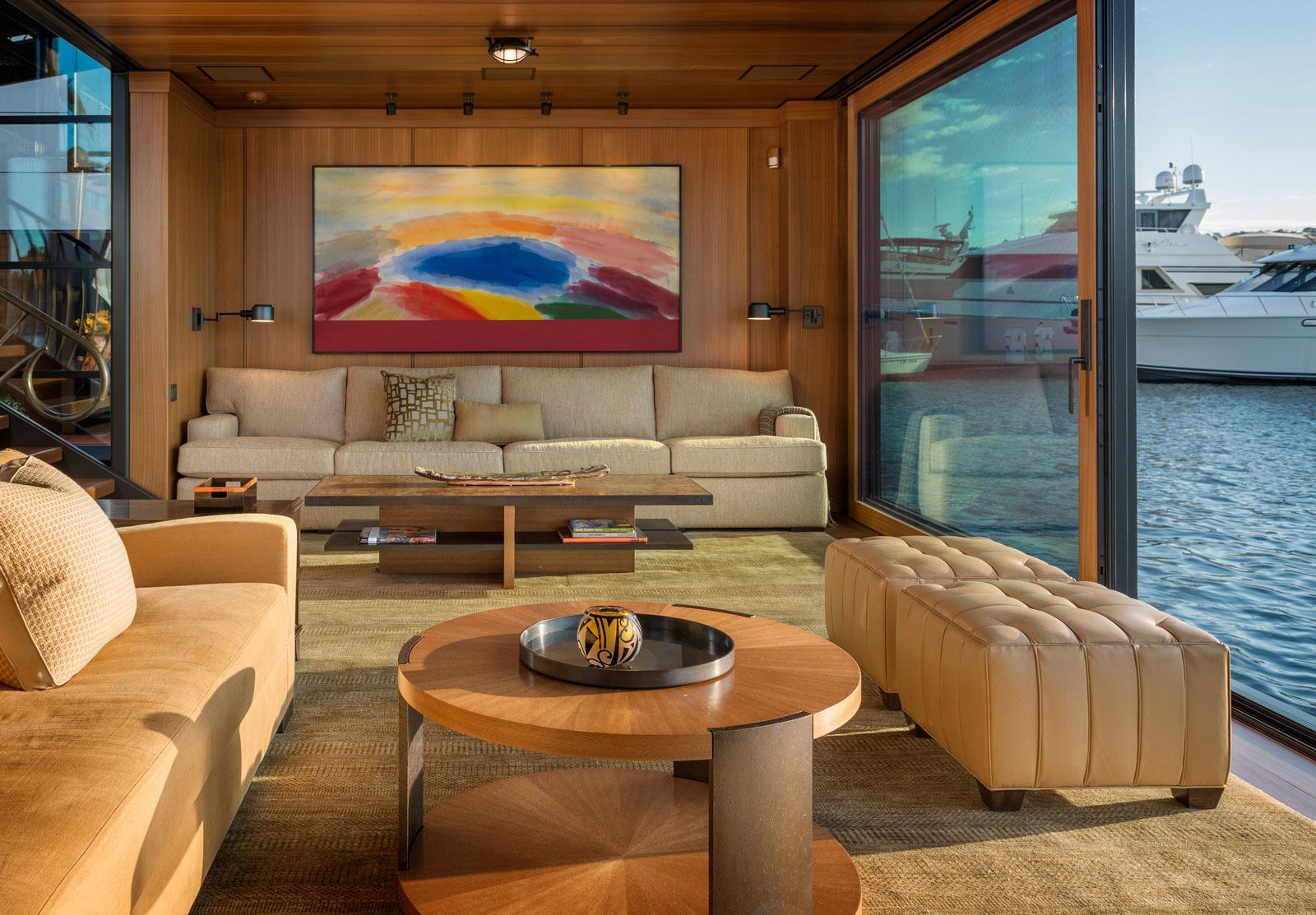 houseboat-4760x.jpg