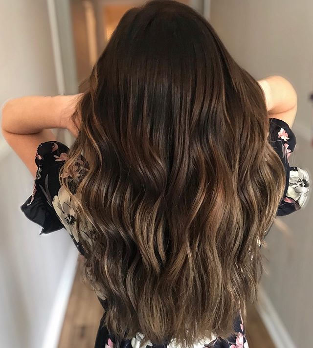 It's been awhile since I posted but I needed to share this one! I've really been loving painting all my brunette girls!! Balayage gives us brunettes a chance to have more than just boring brown hair 😂  Lots more transformations to come 😉