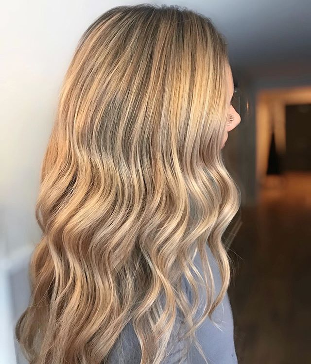 Pretty Summer Blondie😍😍 Sarah this color was made for you !! @saruh___  love it 😍  So ready to be out of this heat!! Bring on the Irish weather ❤️