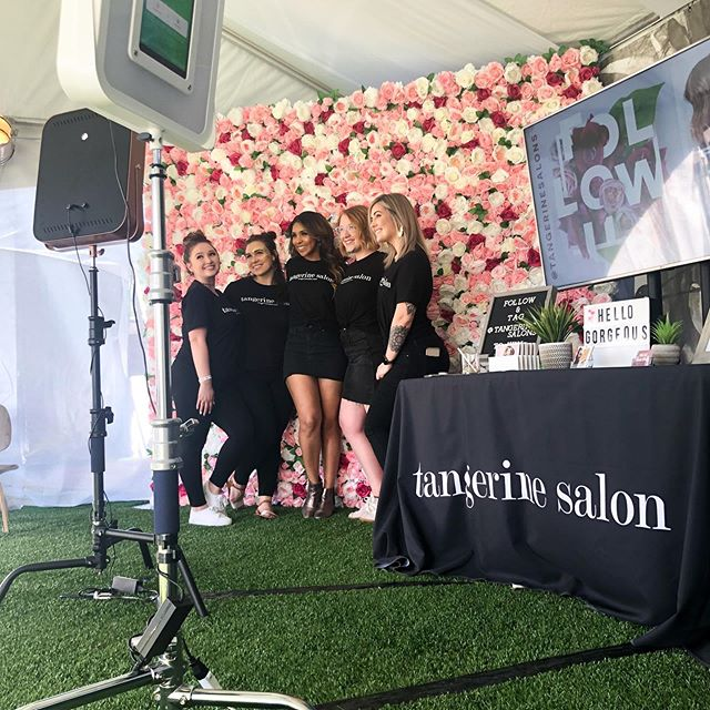 Hello Booth made an appearance at @kaabootexas this weekend! 🎸🤘🏻 Big thanks to @tangerinesalons! Stop by to get your picture in front of these gorgeous @dallasflowerwalls! 🌺