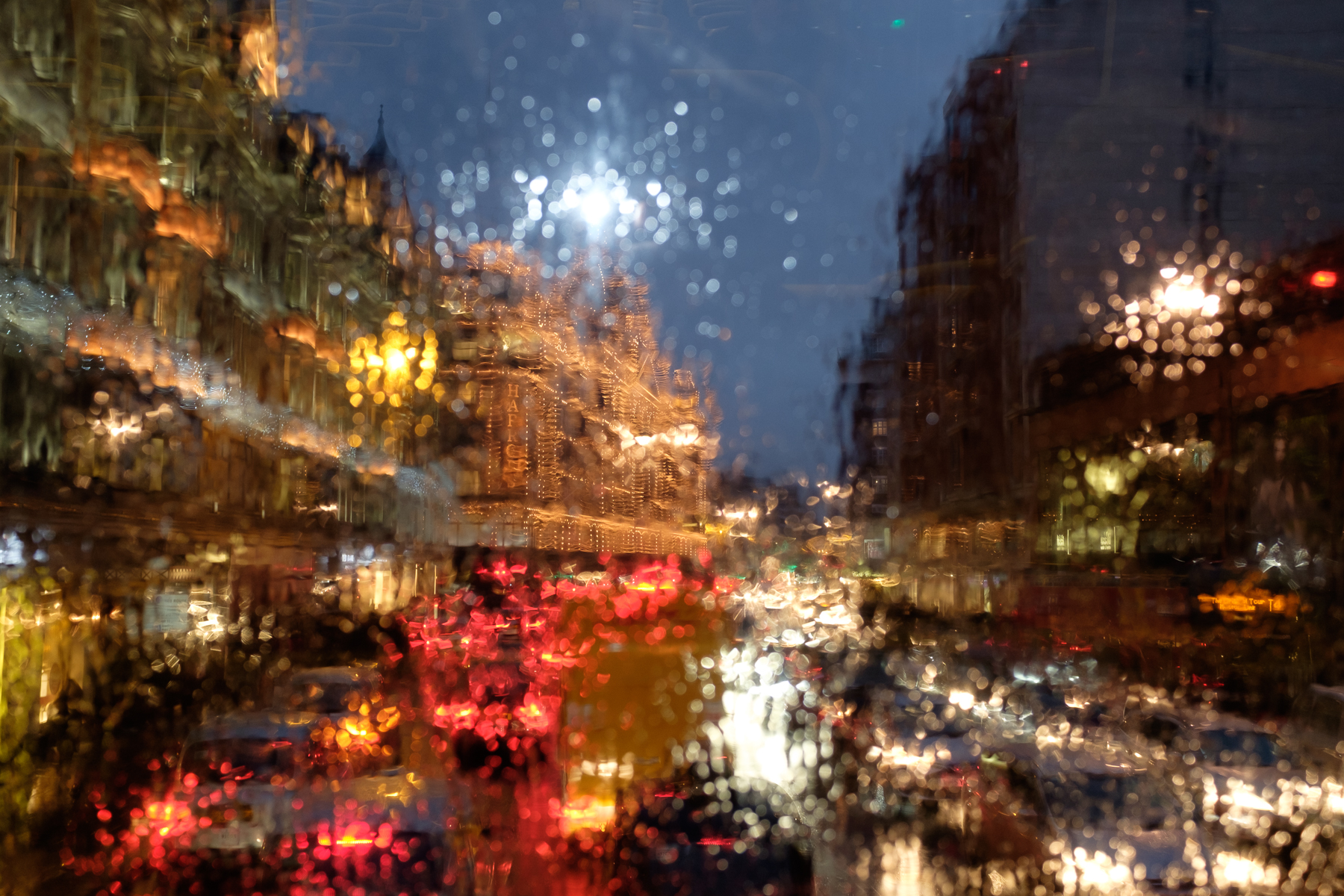 CITY LIGHTS, KNIGHTSBRIDGE