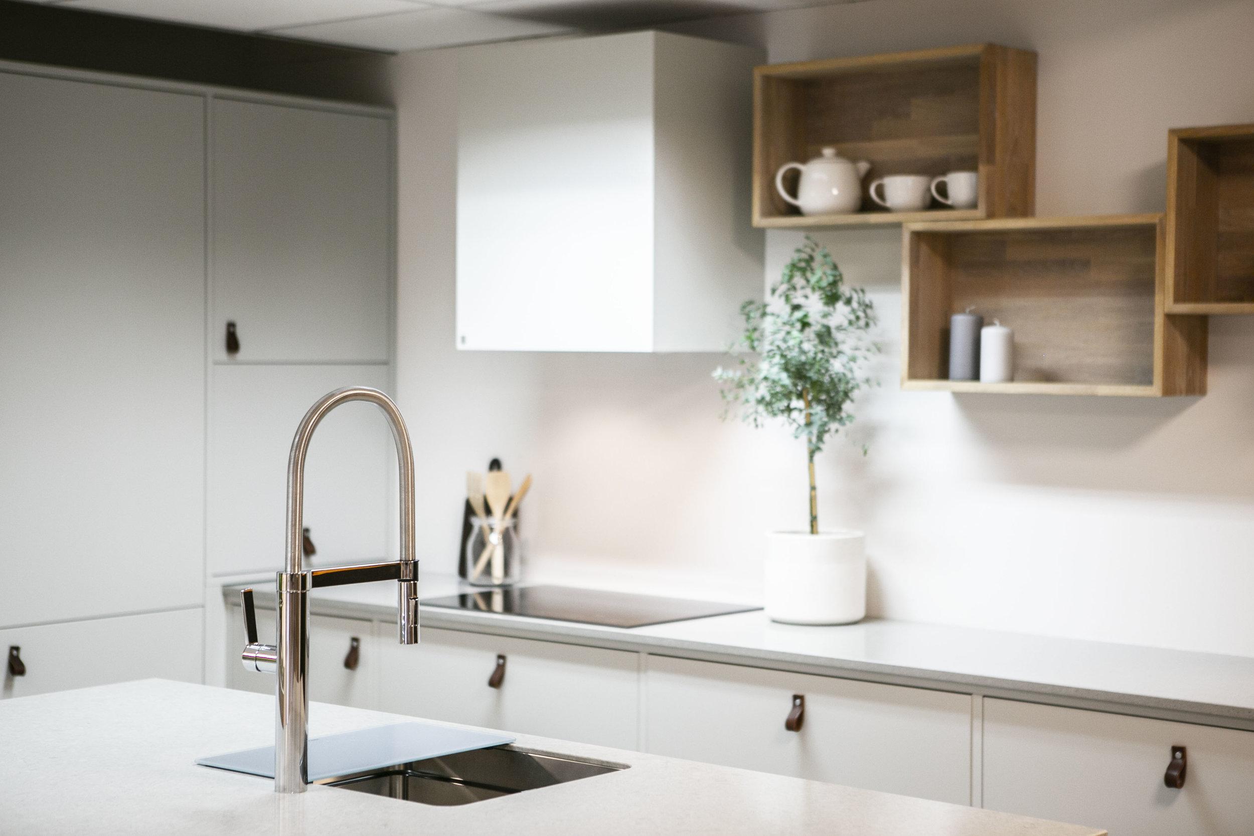 Kjøkken, Fronter, Hvitevarer, Stjernekjøkken, Kjøkkeninredning, interiør kjøkken, kjøkken benkeplate, skapdører kjøkken, kjøkkeninnredning, kjøkken forhandlere, kjøkken fornying
