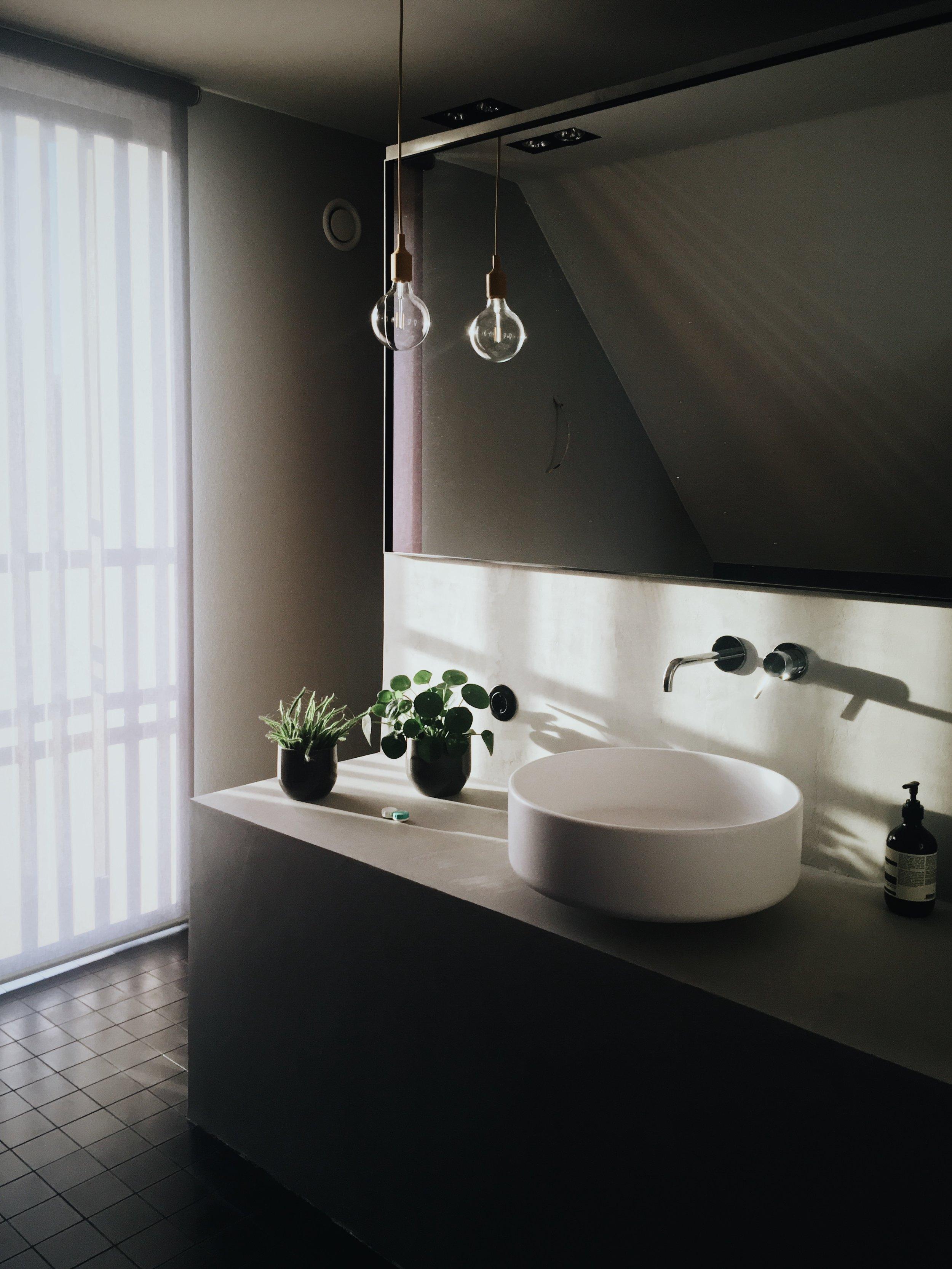 bad,vask,kjøkke,noslo,hvitevarer bad, vask, tørk, oppvaskmaskin, tørketrommel, varmepumpe, kombi, wash, folie, heltre, corian, stien, marmor, messing, kobberkrom, rose gold, black chrome, grottesco, finér, mdf, glass, benkeplater bad, baderomsfronter, badekar, toalett, vaskerom, stjernekjøkken,servant badekar,dusj, duravit, strømberg, nibu, tapwell, showroom aeg, eletrolux, zanussi, røroshette, garderobe, oppussing