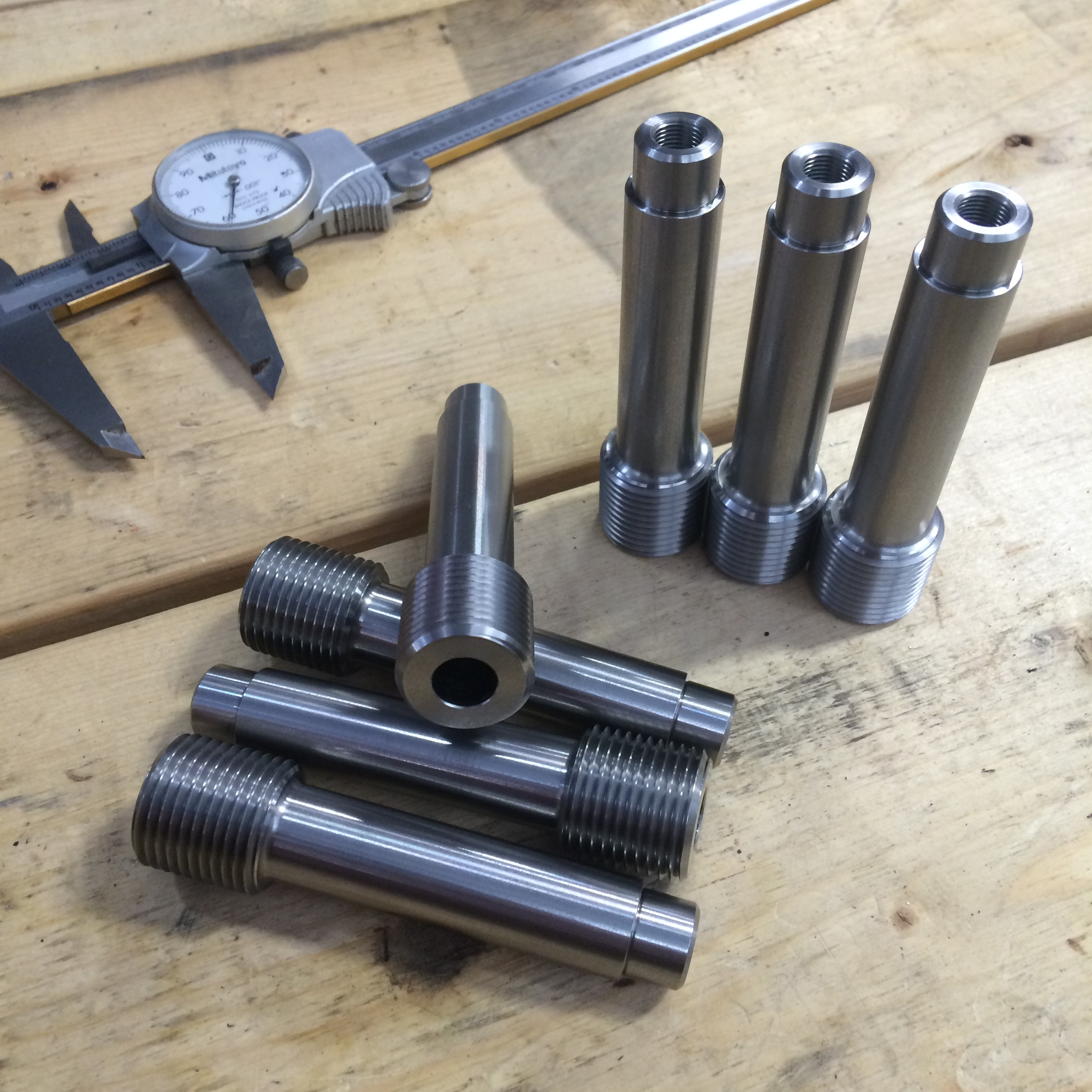 Fitz-Thors-Engineering_manufacturing_CNC-milling-machine-parts-calipers.JPG