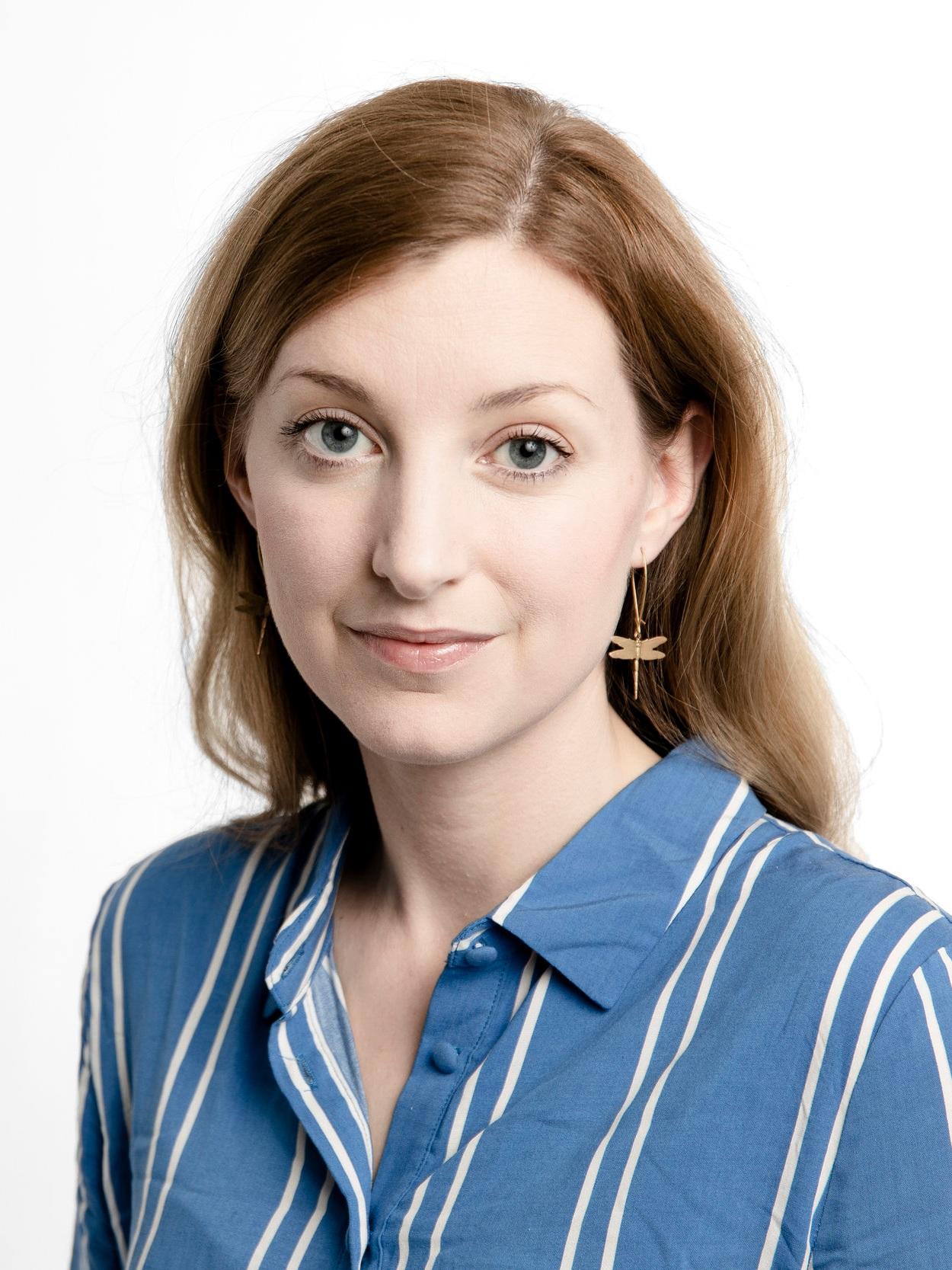 Frida Hylander - Leg. psykolog, STP-psykolog i klinisk psykologi och fil. kand. i Humanekologi. Frida är baserad i Malmö, arbetar kliniskt, samt driver psykologi- och yogaföretaget YOMI. Hon är en ofta anlitad föreläsare, med erfarenhet av flera större klimatprojekt riktade mot att hjälpa såväl familjer som företag att sänka sina klimatavtryck. Hon erbjuder kontinuerligt workshops och föreläsningar i hållbara beteendeförändringar.