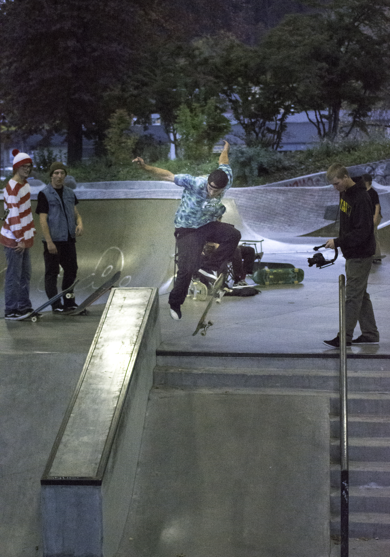 Noah Johnson - Fakie Bigspin Tailslide - Zina Kraskoff