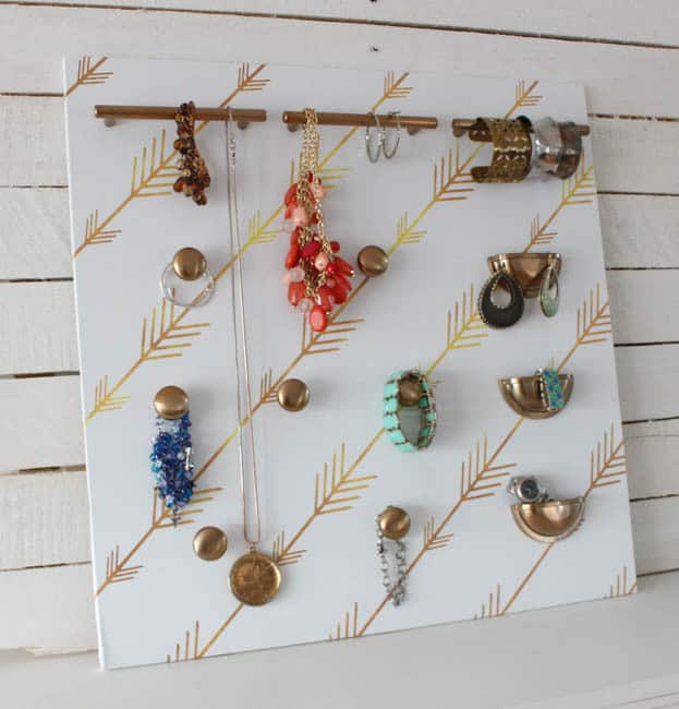 DIY-Cabinet-Hardware-Jewelry-Organizer-at-thehappyhousie.com-1.jpg