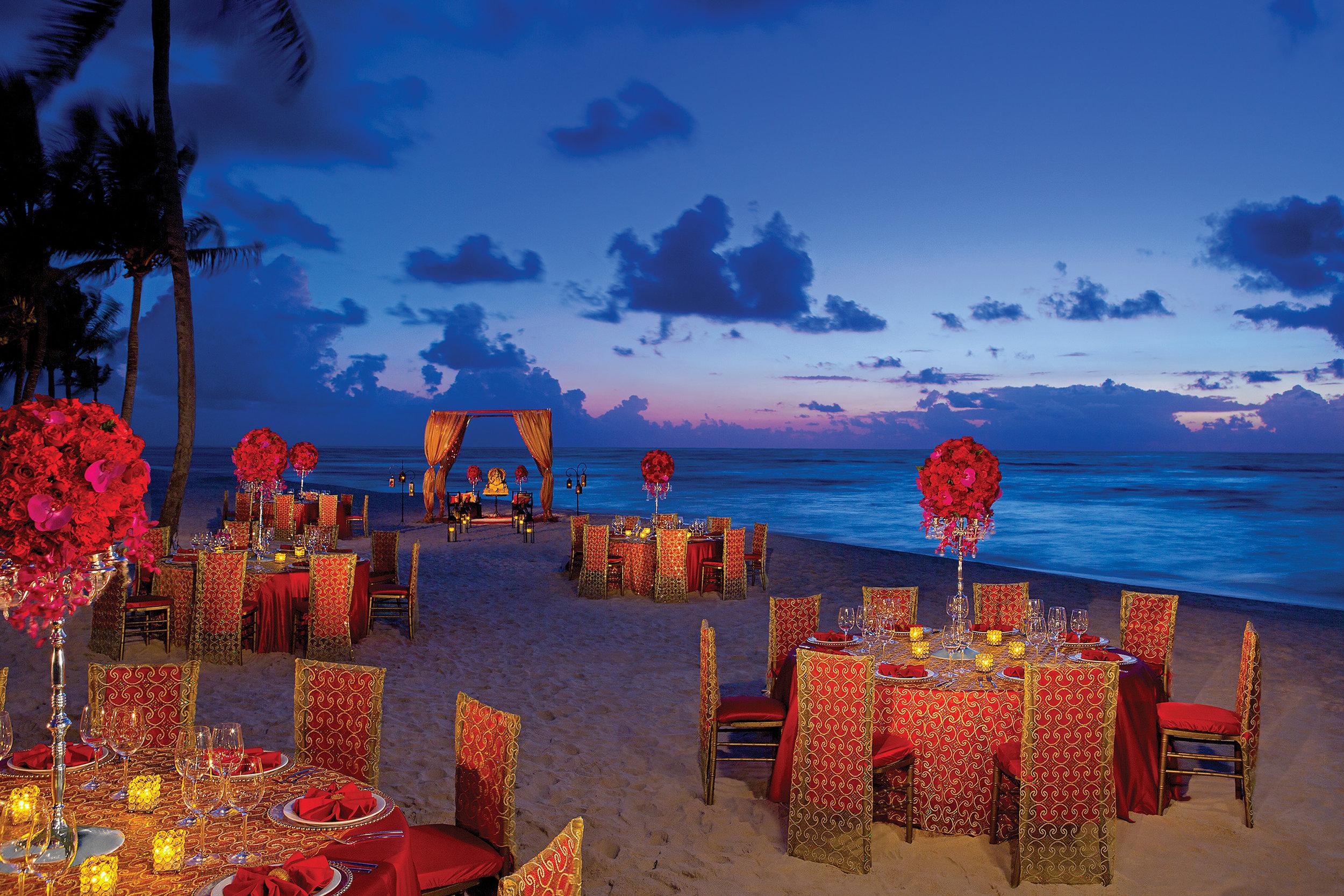 AMR_Hindu_WeddingReception_Beach_1A.jpg