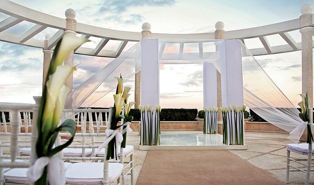 sandos cancun lifestyle wedding.png