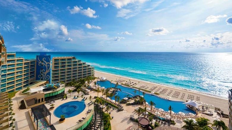 Indian Destination Weddings in Cancun Hotel Zone 5.jpg