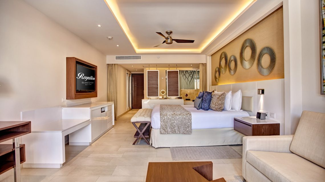 Luxury Junior Suite Royalton Riviera Cancun 2.jpg