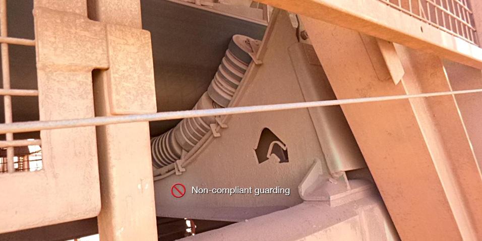 non_compliant_guarding_05.jpg