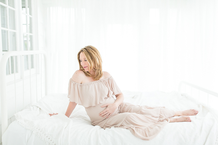 philadelphia main line maternity photographer natural light-9.jpg