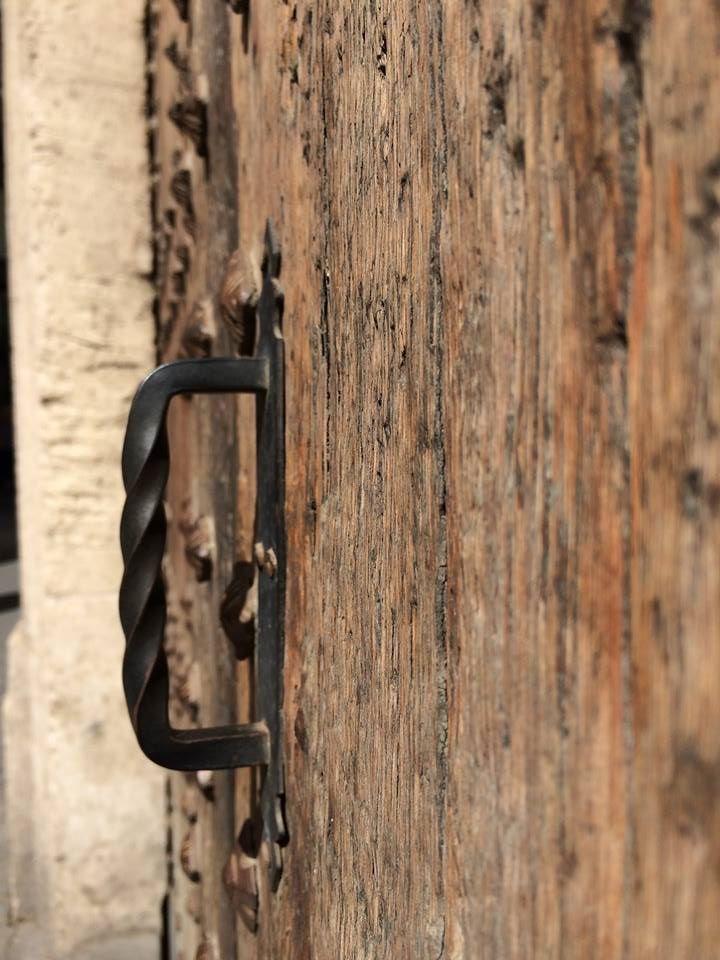door plaza ayuntamiento valencia.jpg