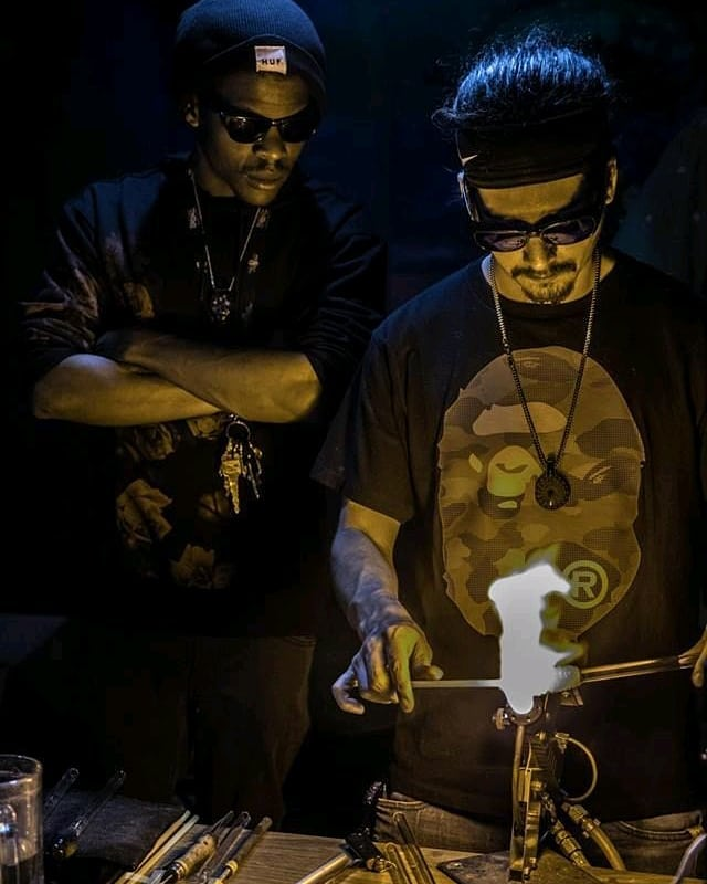 #PostApocalypse #glassblowing with @borocat and @dirgeglass at #flowmoon 🌙 Made some beautiful pieces ⚗️and quite the entertainment.⠀ Thanks for coming out! ⠀ 📷@drewliophoto . . #performanceart⠀ #dallaslife⠀ #nightlife ⠀ #dallasnightlife⠀ #deepellum⠀ #deepellumart⠀ #edmfamily⠀ #edmfestivals