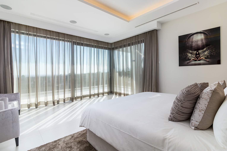 Master-Bedroom-Curtains-Closed.jpg