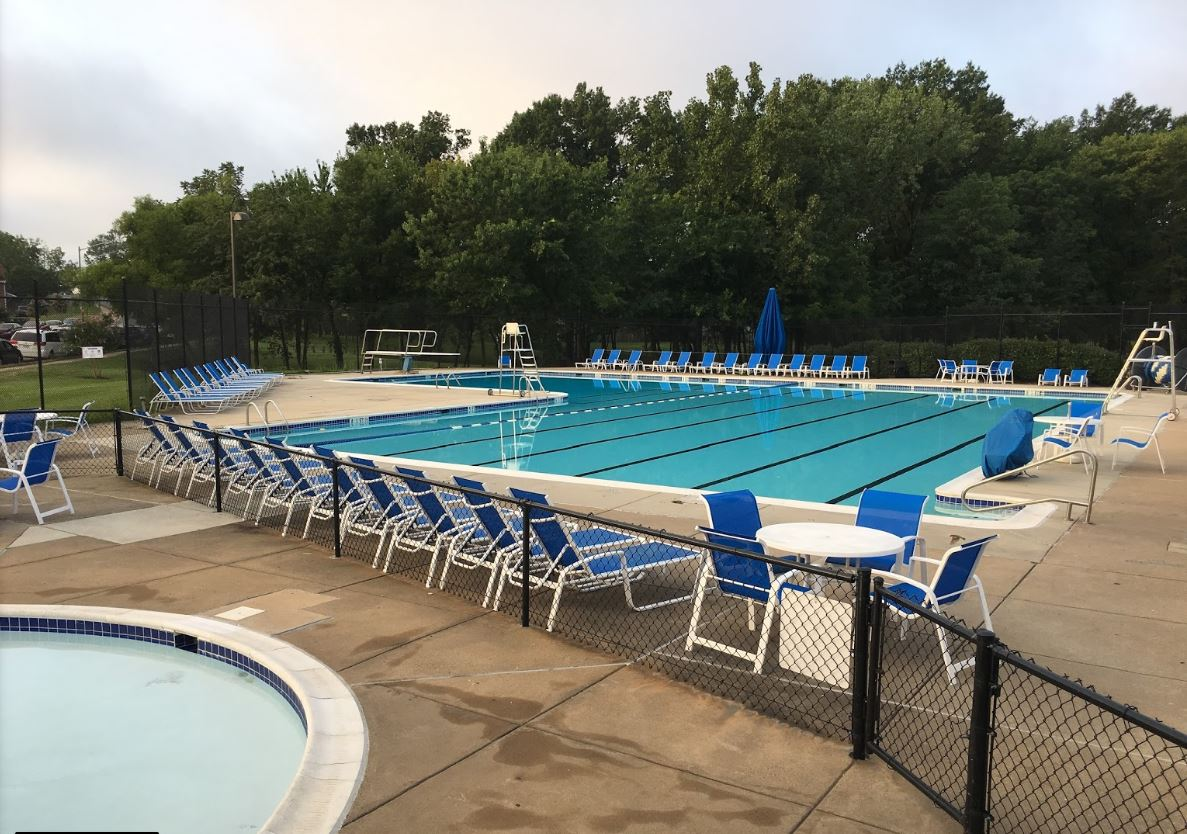 Pool Location and Hours   13351 Parcher Avenue, Herndon, Va. 20170. Pool season: May 25, 2016 to Sept 2, 2019  11:00AM to 8:00PM.