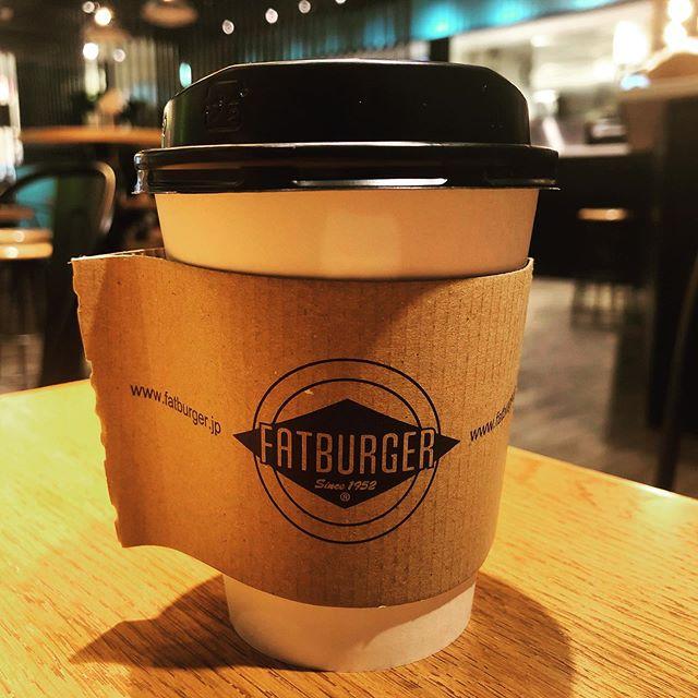 そろそろコーヒーブレイクはいかがですか☕️ #coffee #coffeetime #fatburger # burger #tokyo #shibuya #magnetbyshibuya109 #mag7#fatburgerjapan #usking #shibuyacrossing #hotcoffee#ファットバーガー#tripadviser#ubereats #休憩にバーガーどうですか