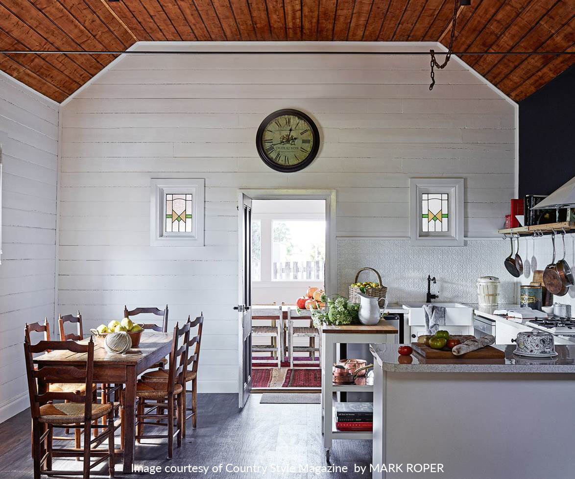 1534810601397_country-kitchen-white-roper-blaylock.jpg