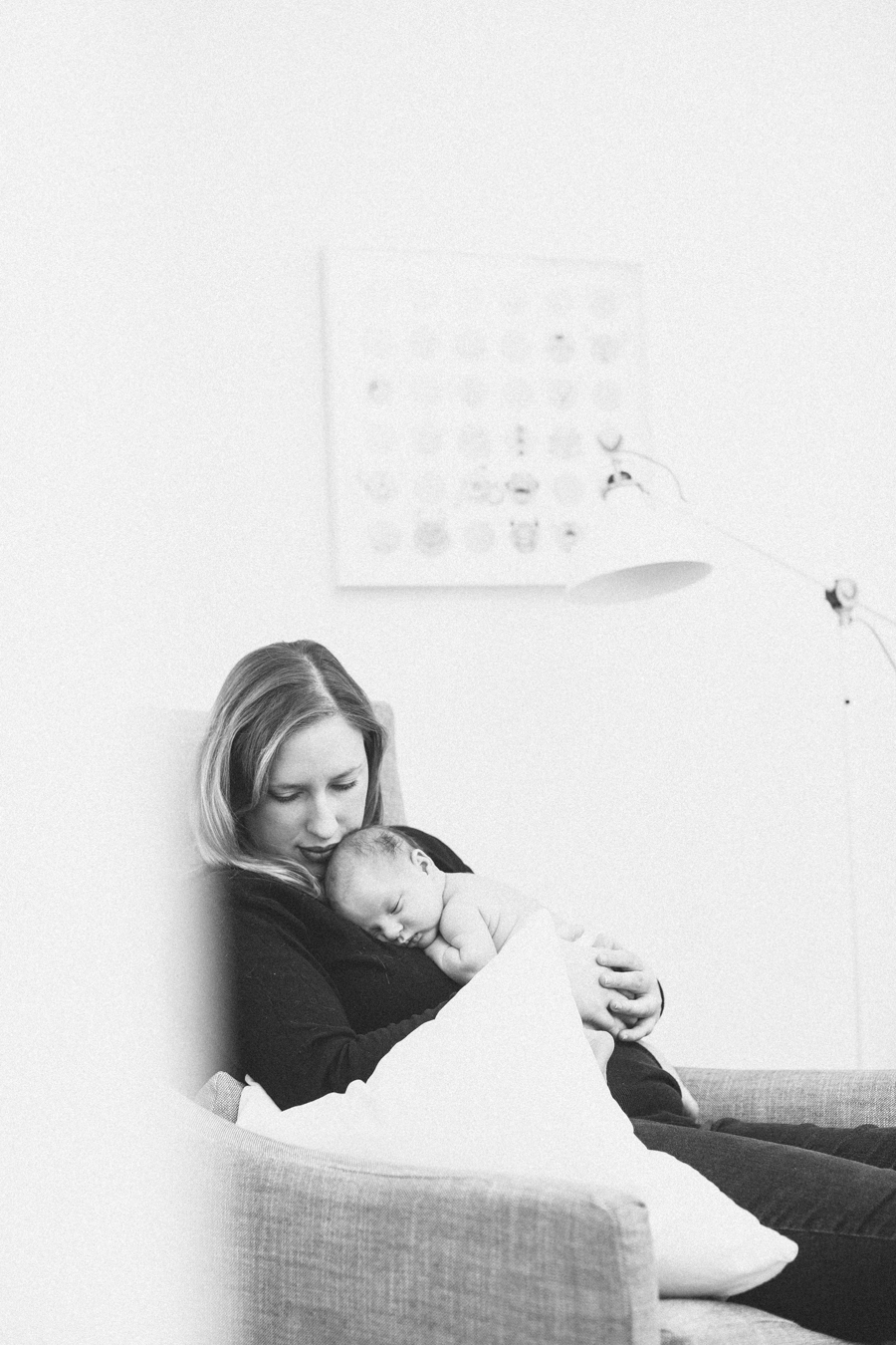 Frankee_Newborn_Blog-1-4-1.jpg