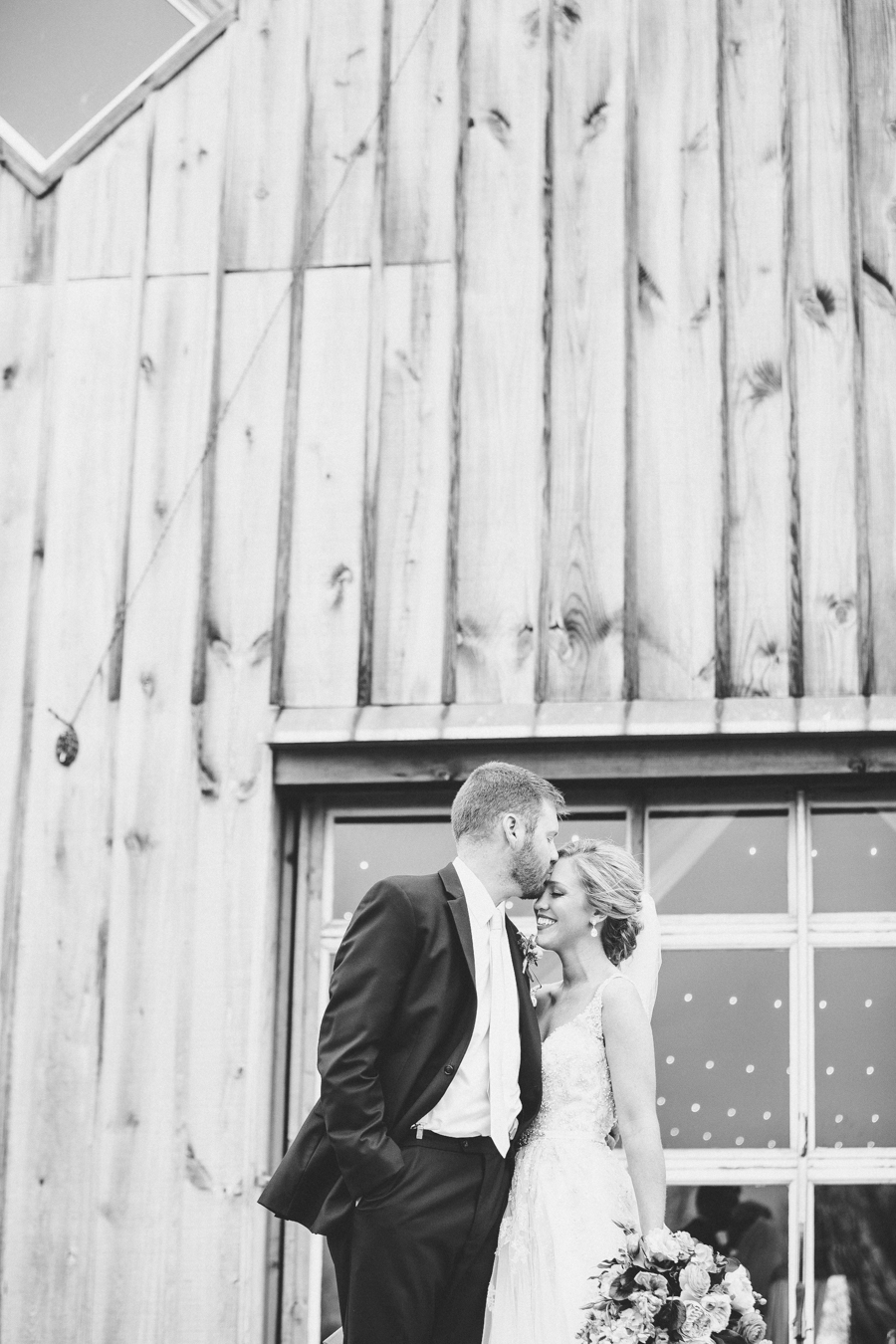 Abbey-And-Ryan-Sneak-Preview-Heirloom-Photo-Company-1-5.jpg