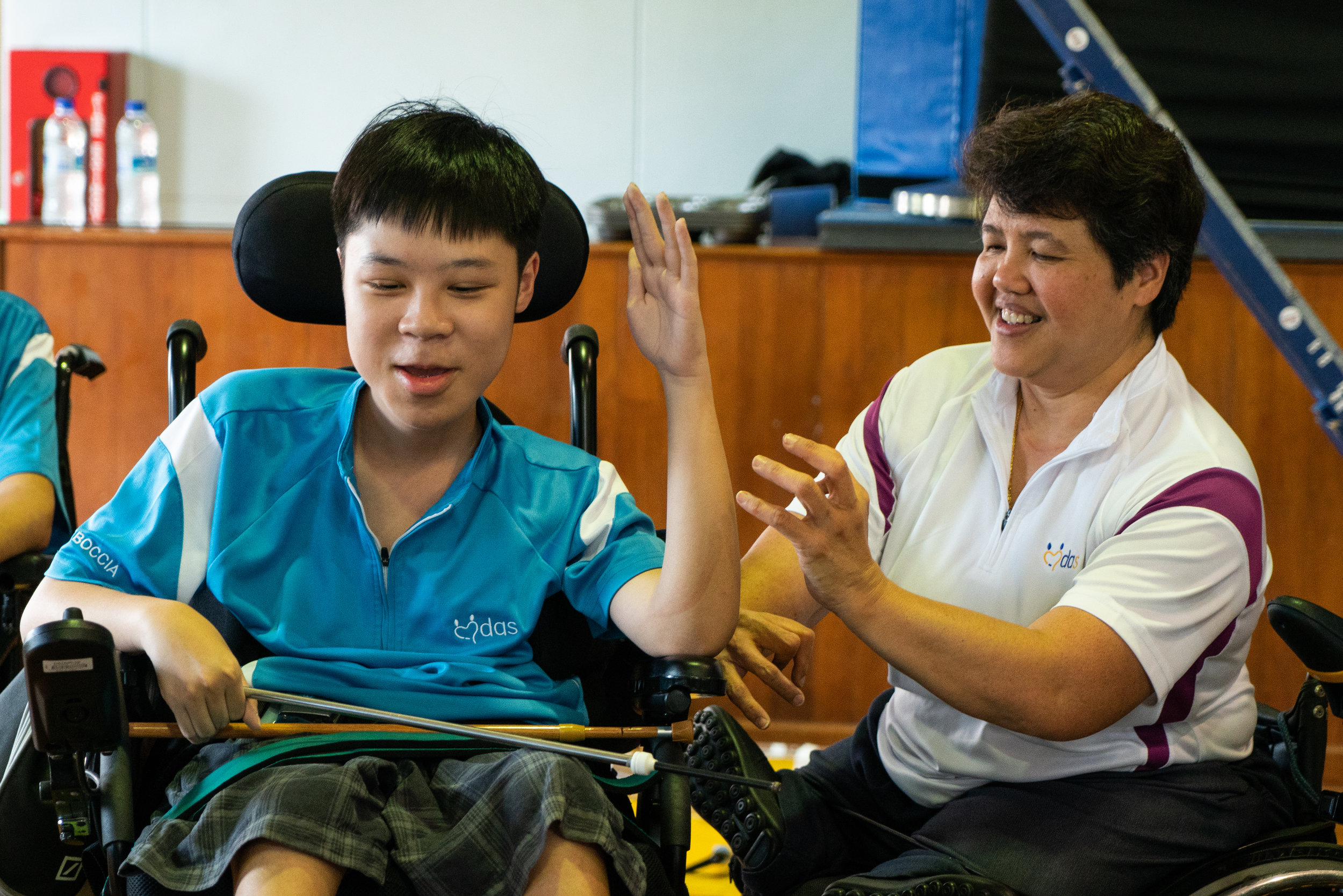 Judy having a couple of laughs with the MDAS members during their Boccia session.