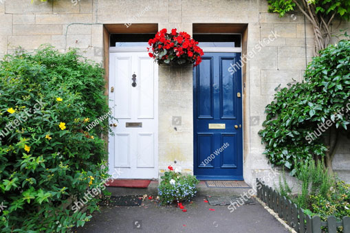 buren_stock-photo-view-of-front-doors-of-old-neighbouring-english-town-houses-401466442.jpg