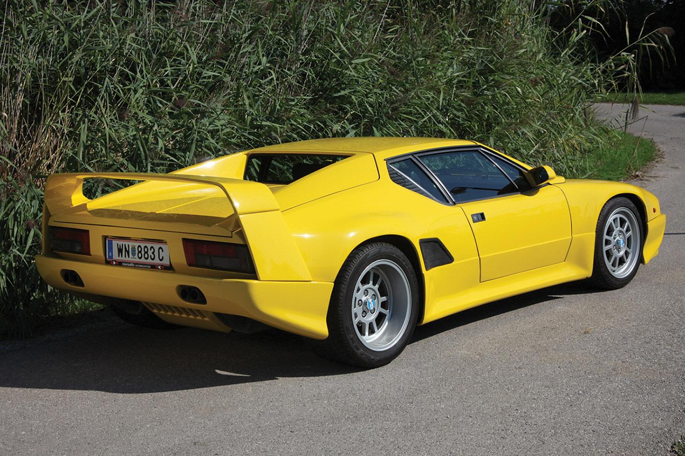 De Tomaso Pantera SI in yellow, rear profile.