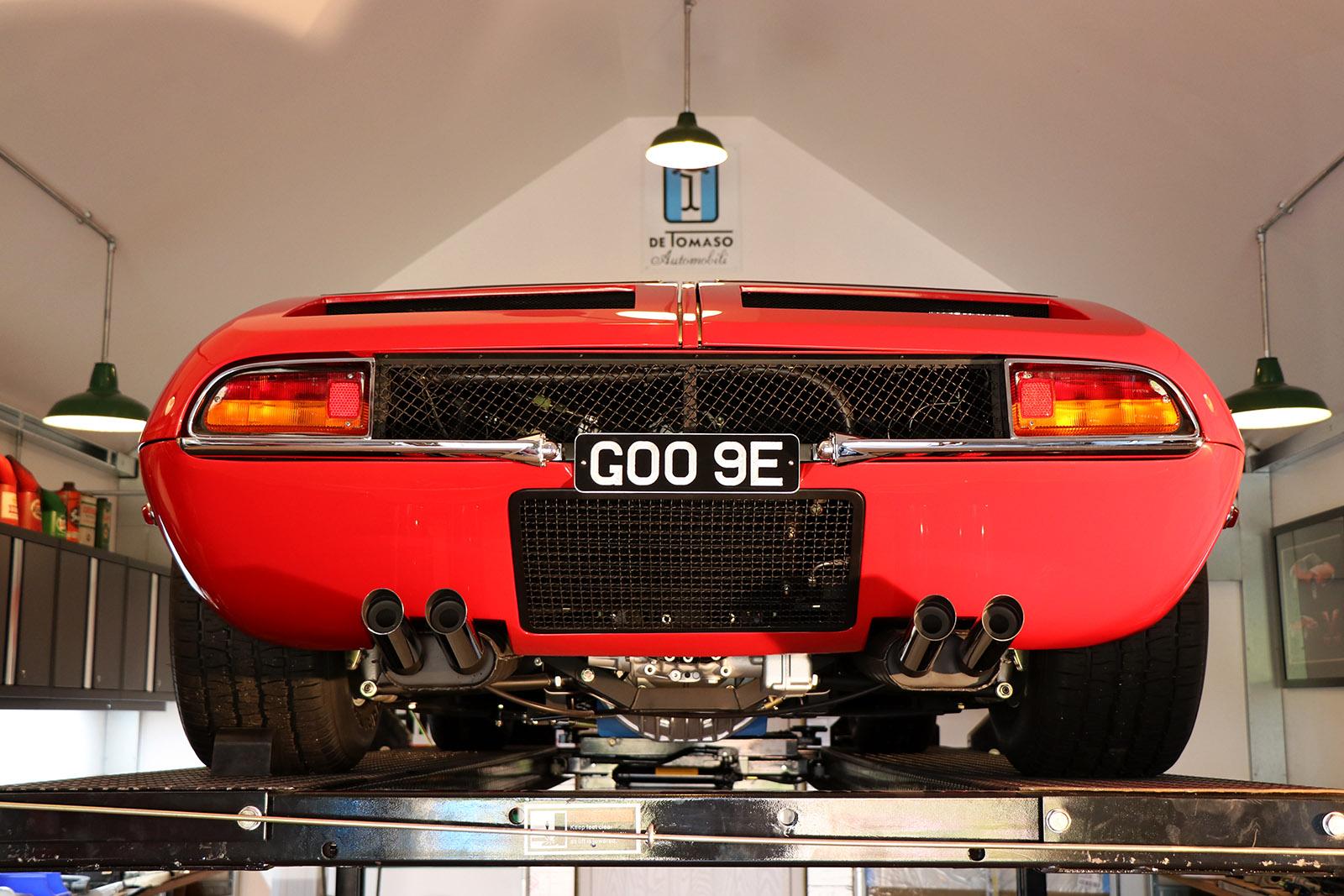 Red De Tomaso Mangusta web.jpg