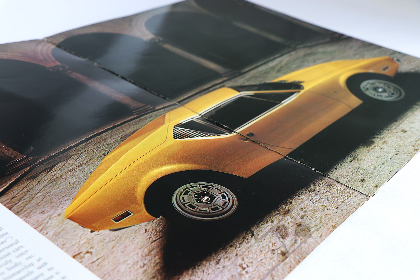 De Tomaso 'push button' Pantera brochure.