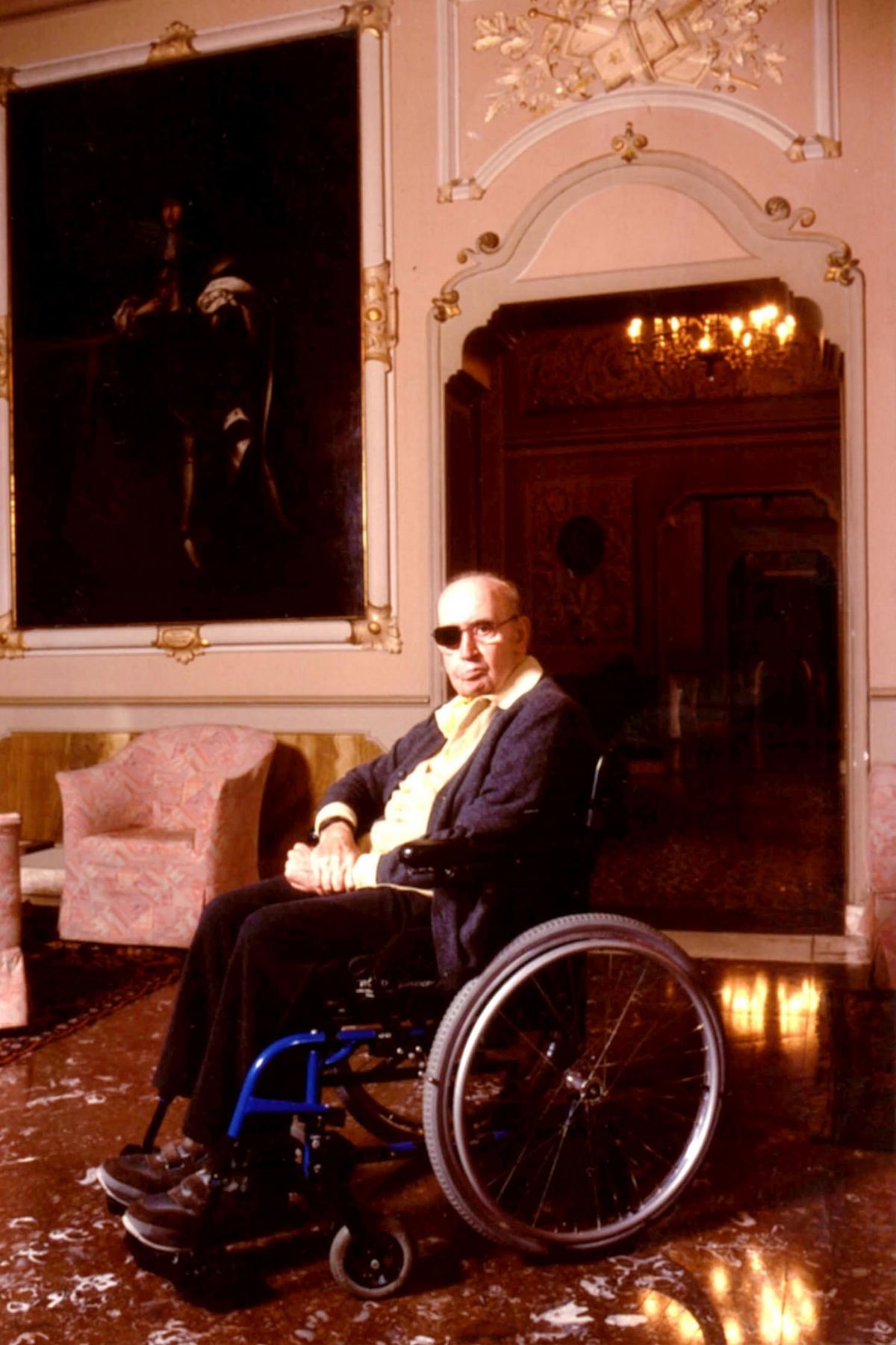 Alejandro Wheelchair 1.jpg
