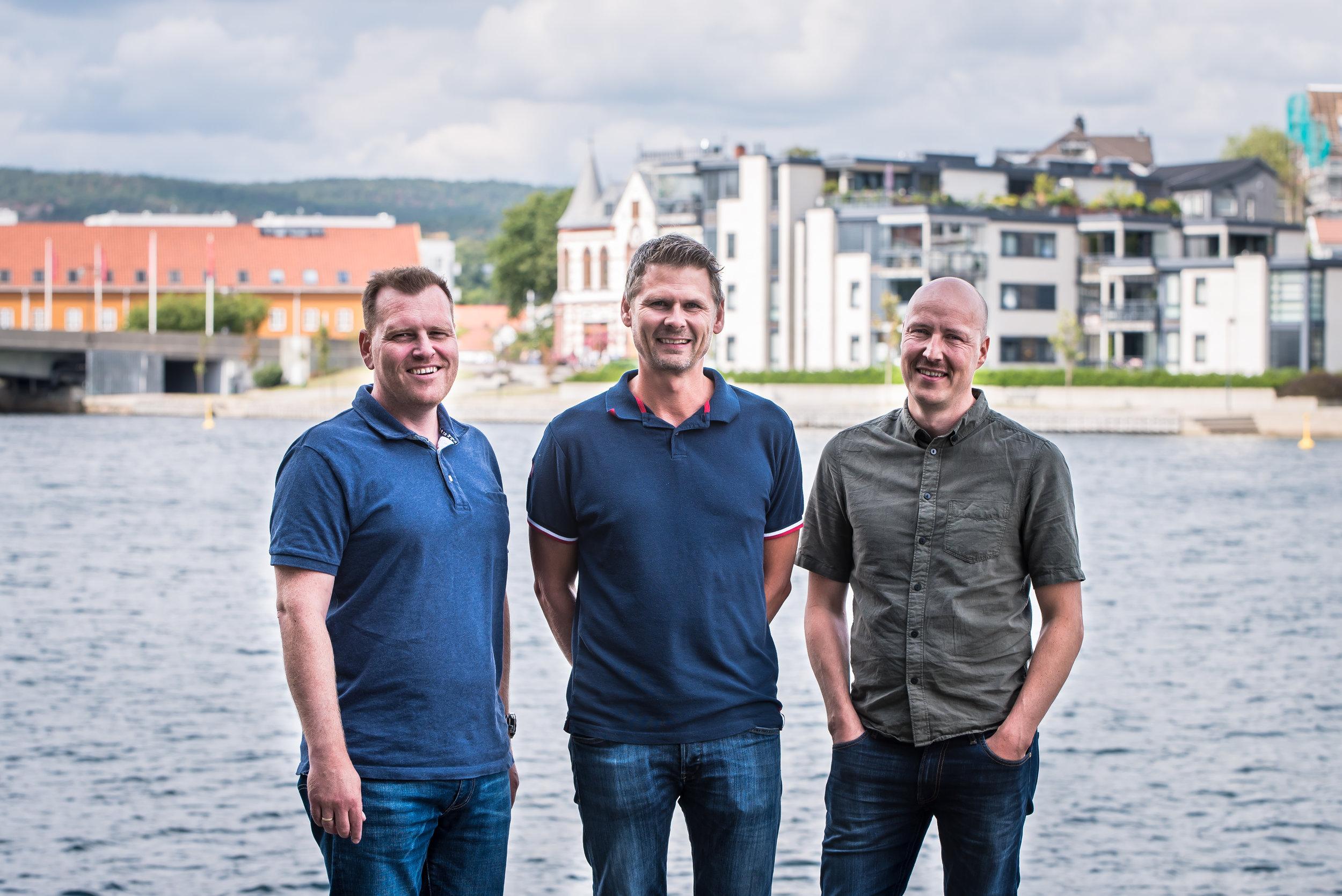 Avdelingsleder brannteknikk Bjørn Henriksen, daglig leder Øyvind Skaar og branningeniør Jan-Rune Johansen i Dagfin Skaar.