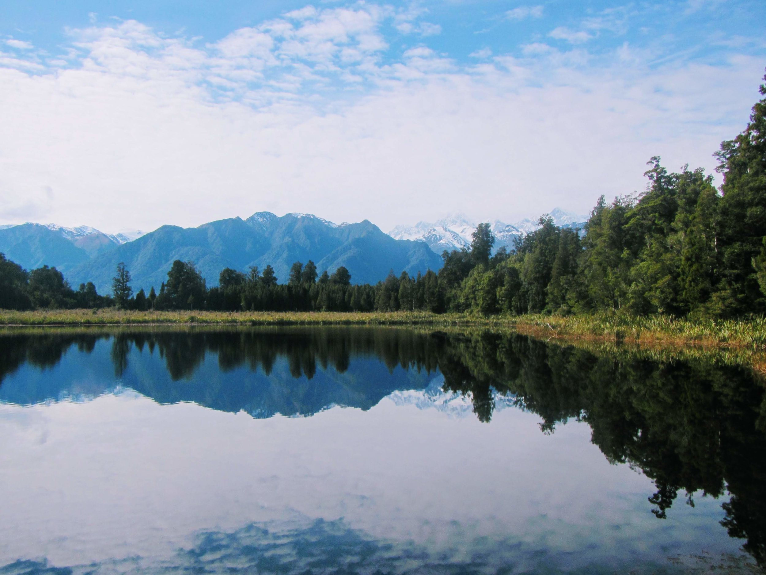 R eflection Lake by    Yoshitaka Minami